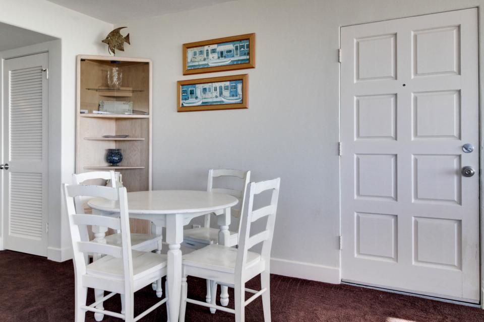 South Mission Oceanfront - San Diego Vacation Rental - Photo 10