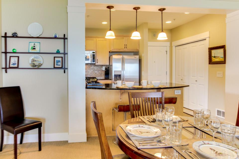 Lighthouse View at Shoreline Ridge - Newport Vacation Rental - Photo 22