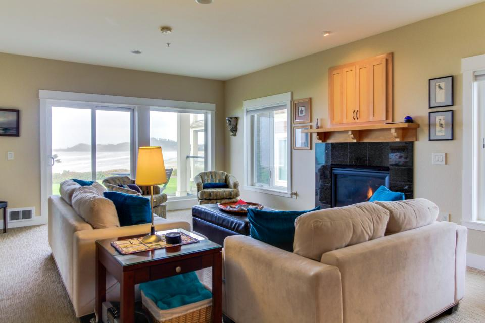 Lighthouse View at Shoreline Ridge - Newport Vacation Rental - Photo 6