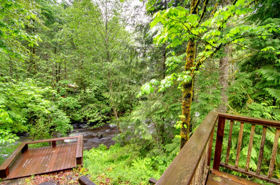 Barlow Creekside Lodge - Rhododendron Vacation Rental - Photo 27