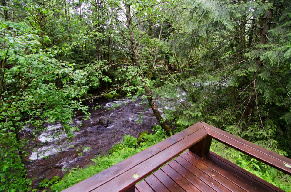 Barlow Creekside Lodge - Rhododendron - Take a Virtual Tour