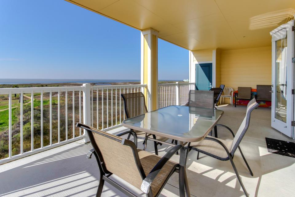 A Puerto Princessa - Galveston Vacation Rental - Photo 31