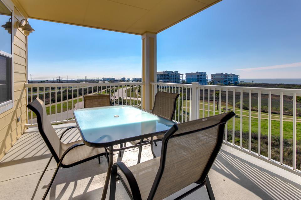 A Puerto Princessa - Galveston Vacation Rental - Photo 4