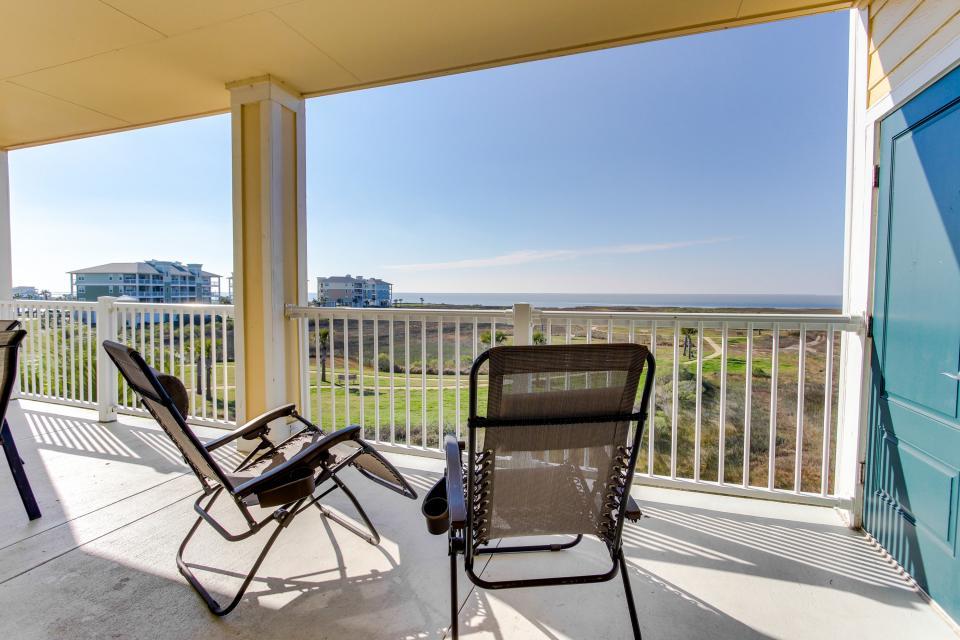 A Puerto Princessa - Galveston Vacation Rental - Photo 6