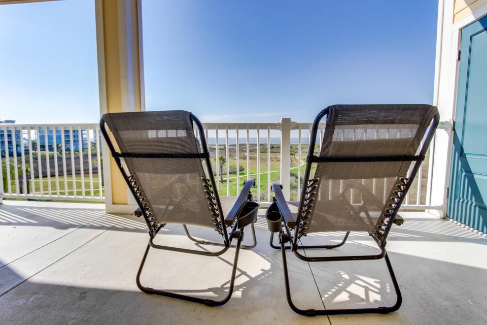 A Puerto Princessa - Galveston Vacation Rental - Photo 30
