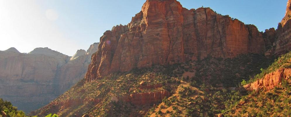 Top 27 zion national park vacation rentals from 70 vacasa for Vacation rentals near zion national park