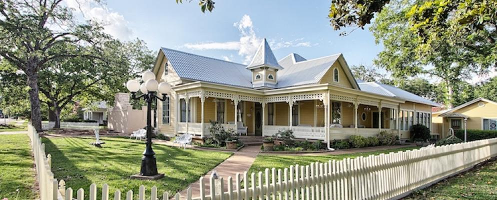 The victorian mansion,