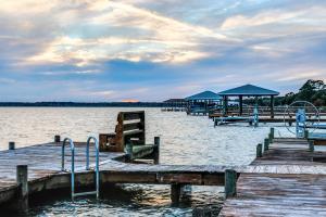 Pratt's resort on lake june